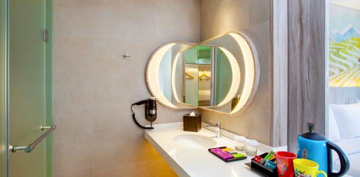 ibis-style-bandung-bathroom-2