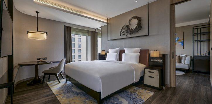 pullman-suite-bedroom-2