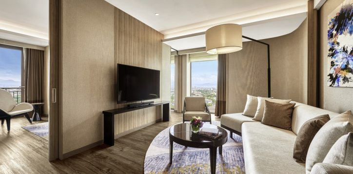 pullman-suite-living-room-2
