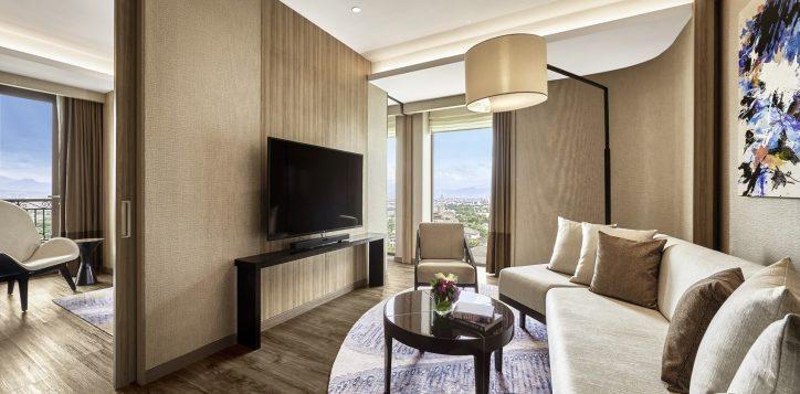 pullman-suite-living-room-2-2