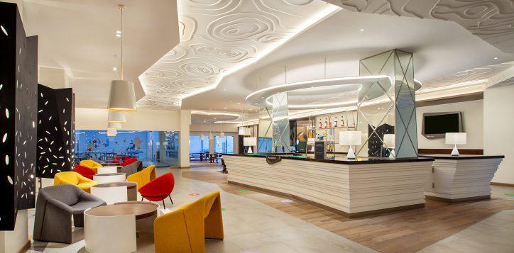ibis-styles-reception-desk-2